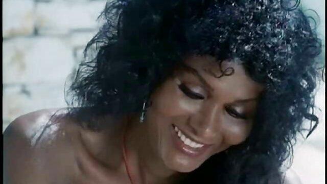 Brandi愛にボート黒の女の子 女の子 の ため の 無料 エロ 動画
